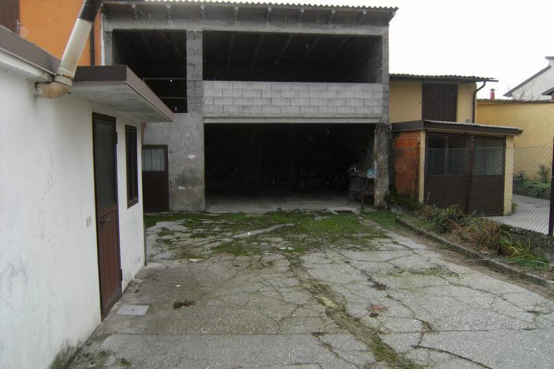 Rustico / Casale in discrete condizioni in vendita Rif. 8685515