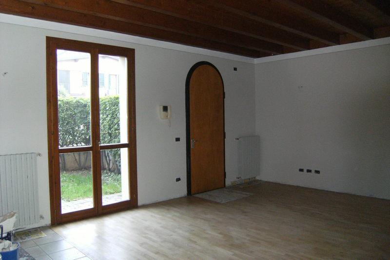 Appartamento in vendita a Castel Mella, 3 locali, prezzo € 135.000 | CambioCasa.it