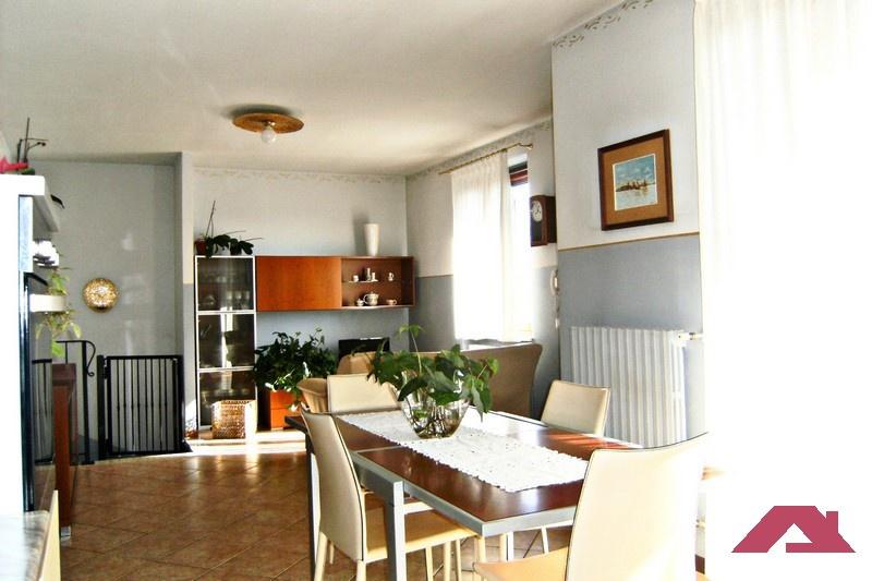 Villa a Schiera in vendita a Offlaga, 3 locali, prezzo € 129.000 | CambioCasa.it