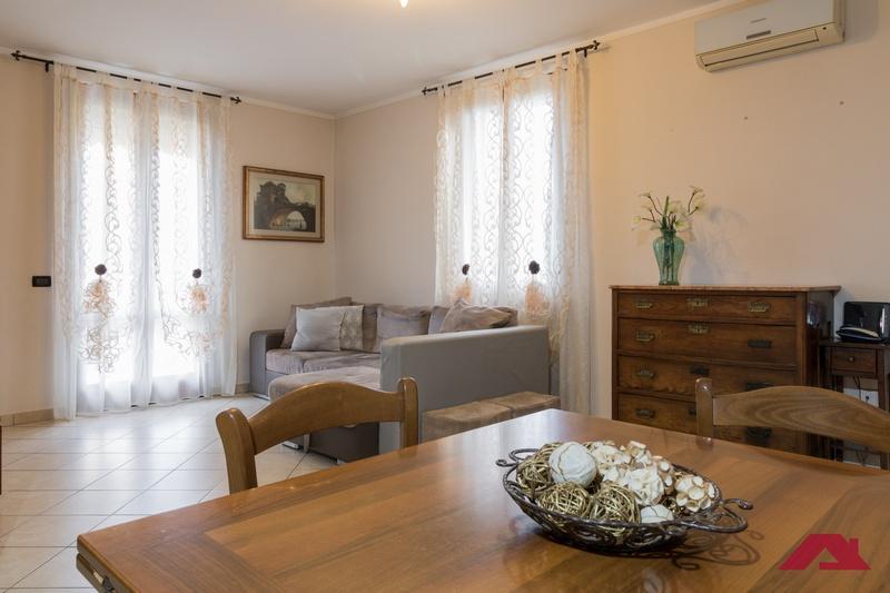 Appartamento da ristrutturare in vendita Rif. 9809416