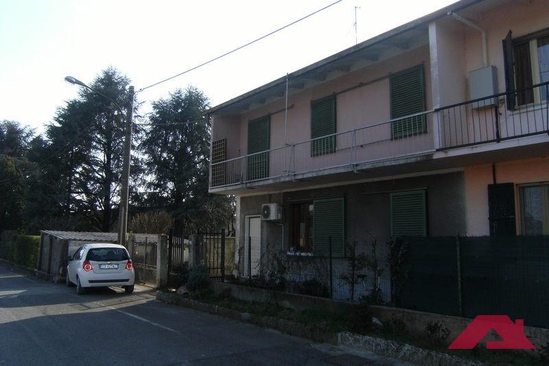 Villetta a schiera da ristrutturare in vendita Rif. 9876642