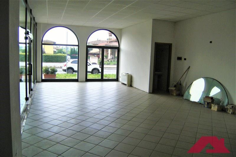 Negozio / Locale in affitto a Mairano, 1 locali, prezzo € 350 | CambioCasa.it