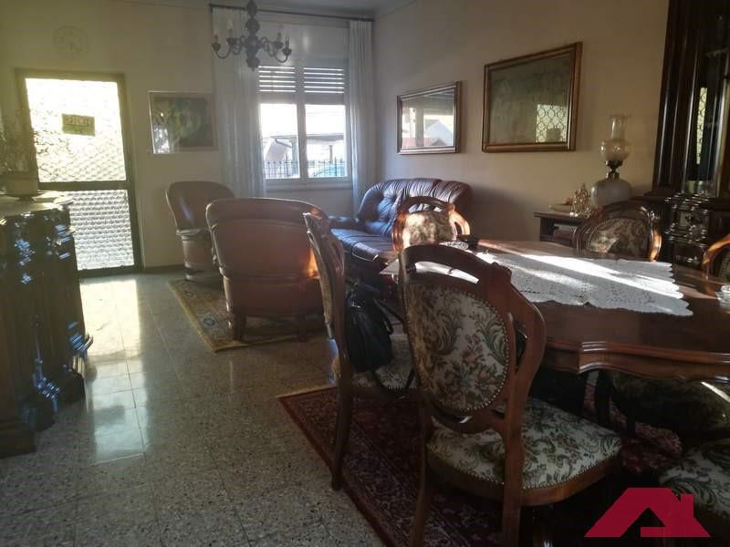 Soluzione Semindipendente in vendita a Pompiano, 5 locali, prezzo € 110.000 | PortaleAgenzieImmobiliari.it
