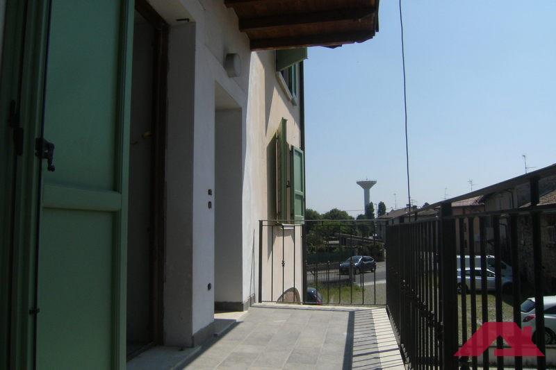 Appartamento in ottime condizioni in vendita Rif. 10444236