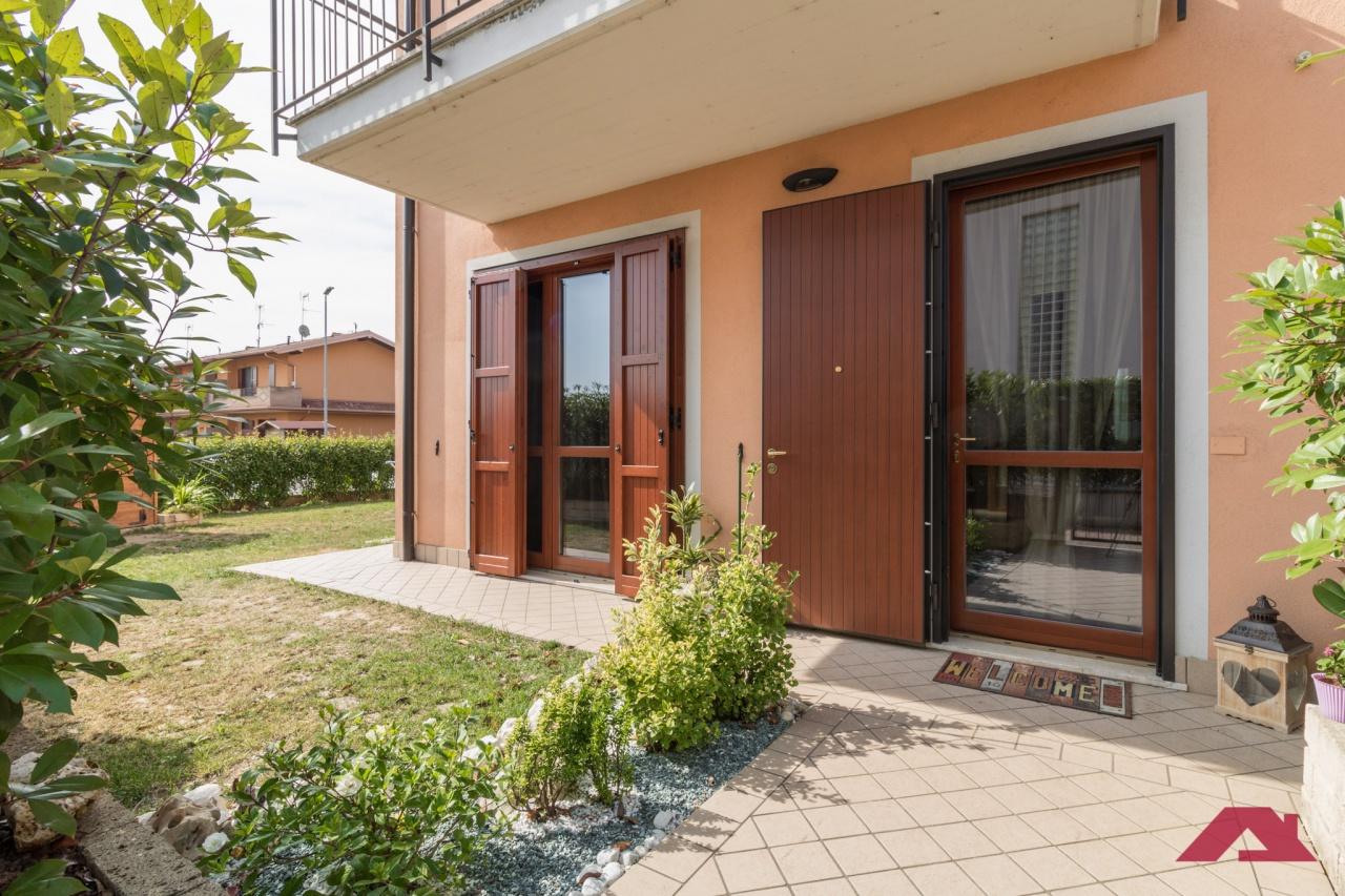 Villa bifamiliare in Vendita AZZANO MELLA