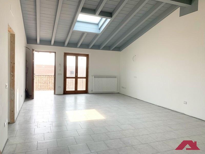 Appartamento in ottime condizioni in vendita Rif. 10854931
