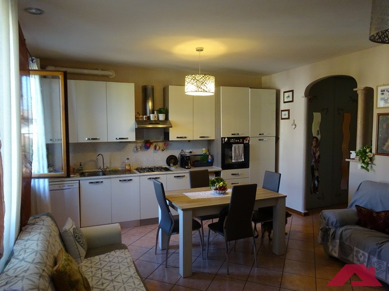 Appartamento da ristrutturare in vendita Rif. 11254387
