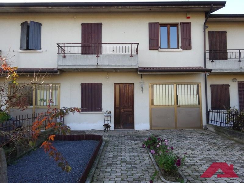 Villa a Schiera in vendita a Longhena, 5 locali, prezzo € 119.000   PortaleAgenzieImmobiliari.it