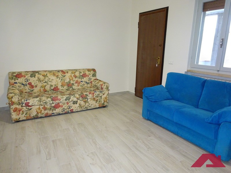 Appartamento in affitto a Longhena, 3 locali, prezzo € 450   PortaleAgenzieImmobiliari.it