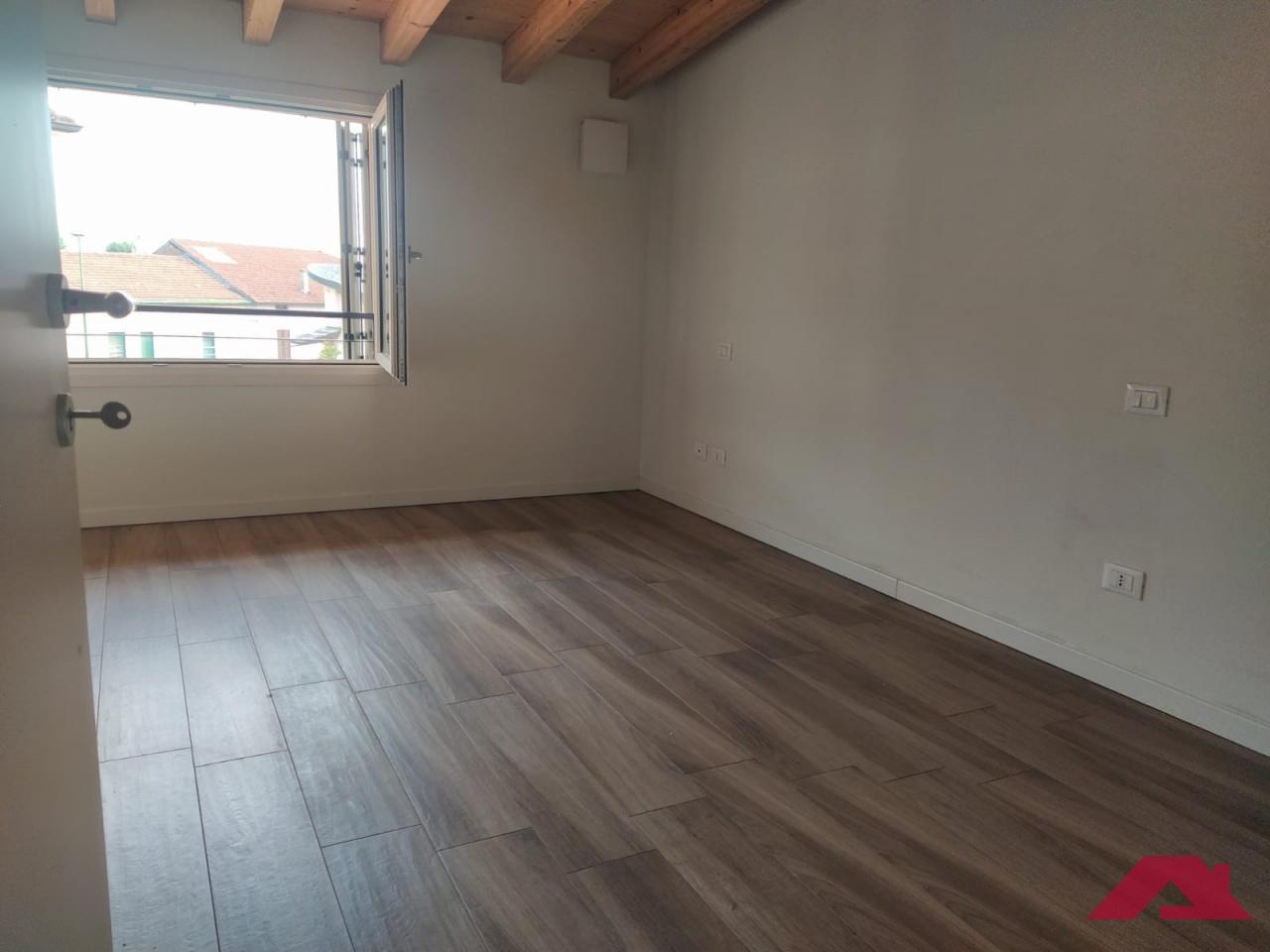 Appartamento LOGRATO BILOCALE BA57