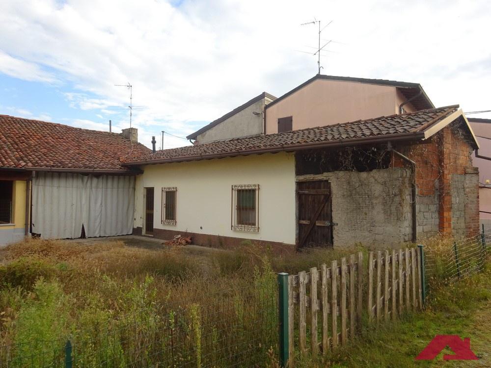 Rustico / Casale in vendita a Offlaga, 3 locali, prezzo € 40.000   PortaleAgenzieImmobiliari.it