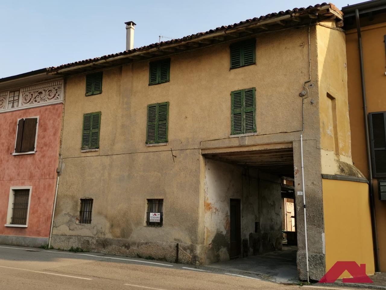 Rustico / Casale in vendita a Capriano del Colle, 6 locali, prezzo € 25.000 | CambioCasa.it