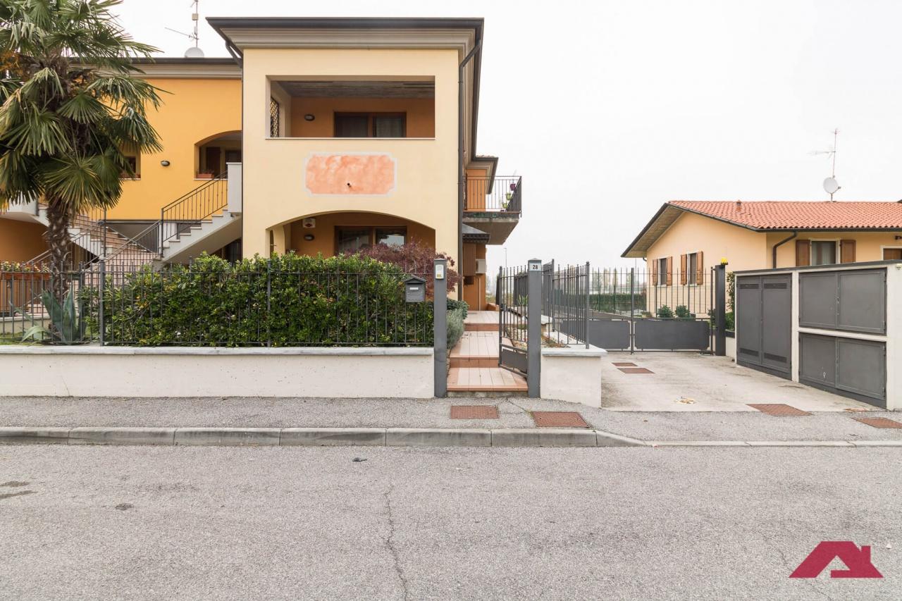 Appartamento in vendita a Mairano, 3 locali, prezzo € 145.000 | PortaleAgenzieImmobiliari.it