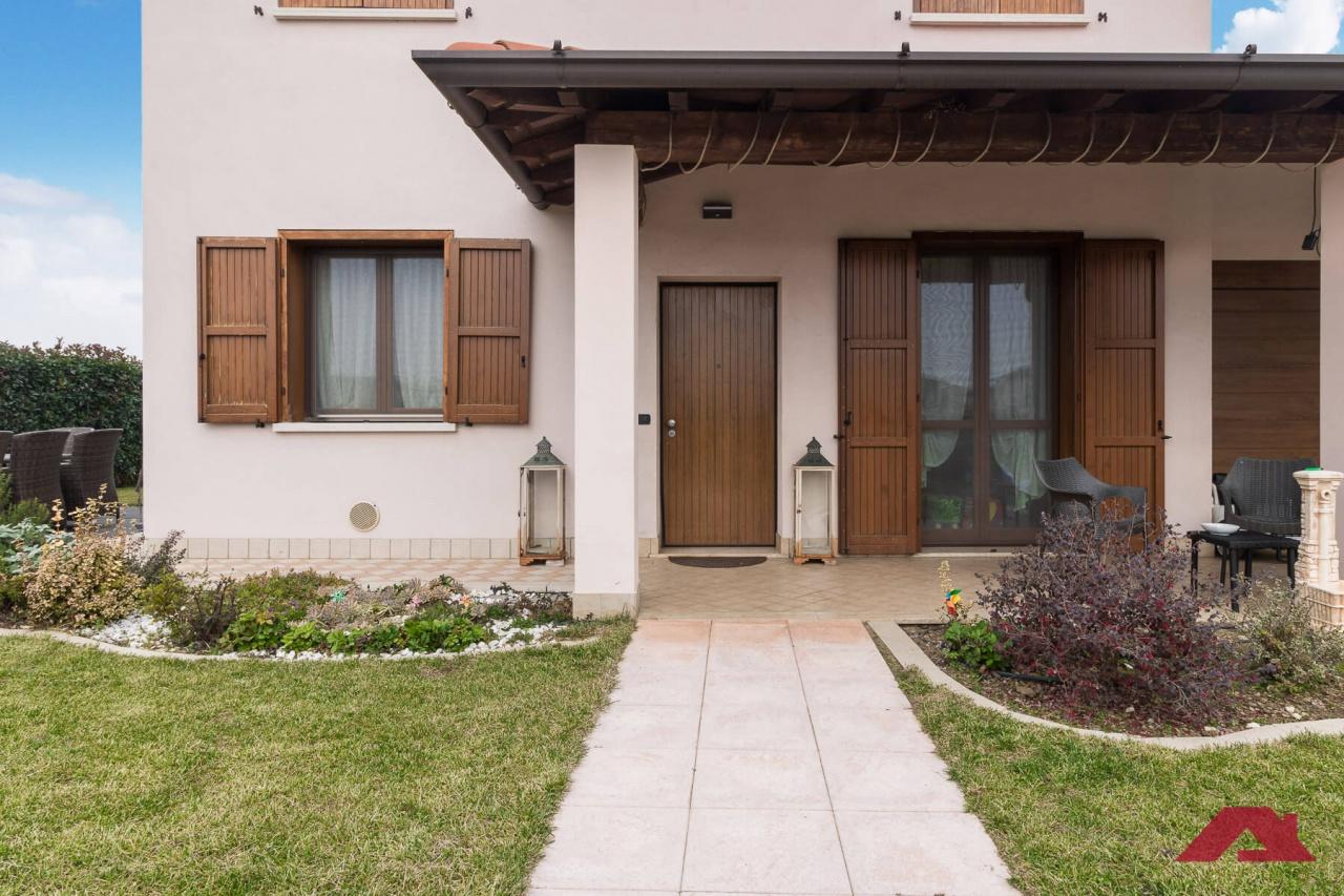 Soluzione Semindipendente in vendita a Brandico, 4 locali, prezzo € 200.000 | CambioCasa.it