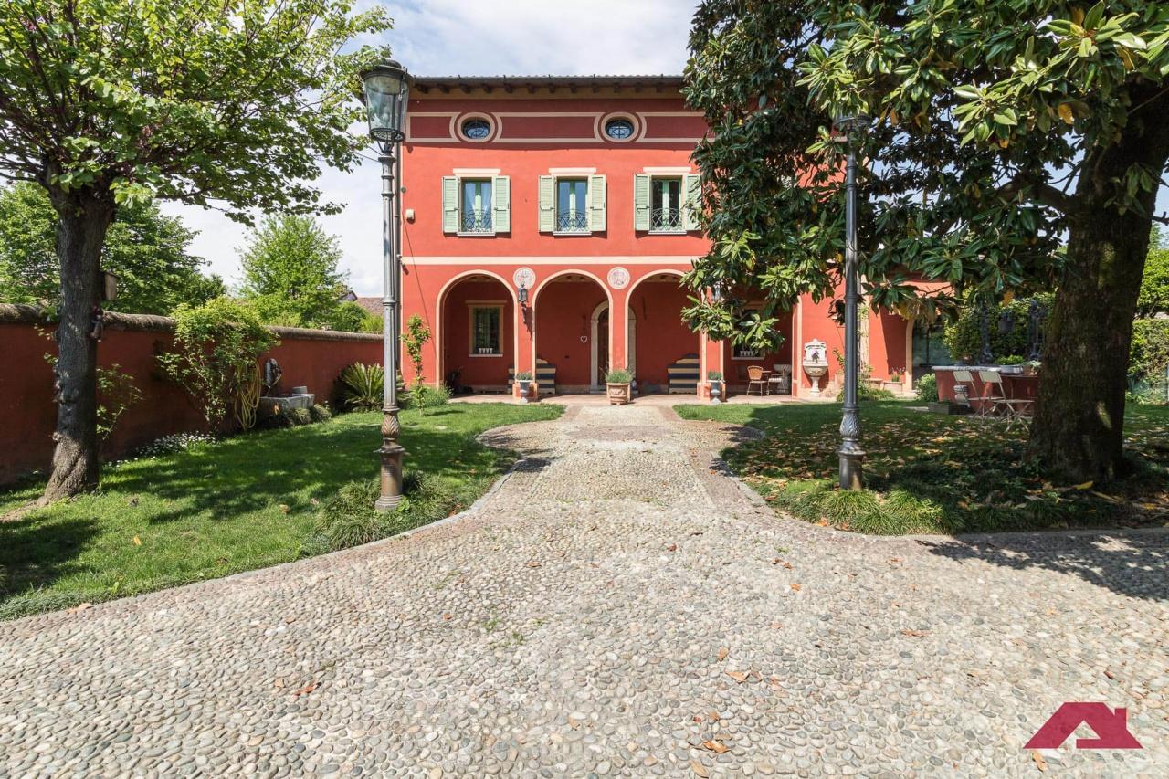 Palazzo / Stabile in vendita a Borgo San Giacomo, 7 locali, prezzo € 800.000 | PortaleAgenzieImmobiliari.it