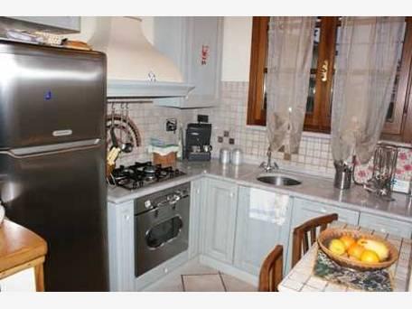 vendita appartamento massa marina di massa  170000 euro  3 locali  70 mq
