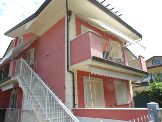 vendita appartamento massa marina di massa  310000 euro  3 locali  75 mq