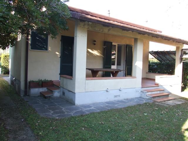 vendita casa indipendente montignoso cinquale  295000 euro  4 locali  80 mq