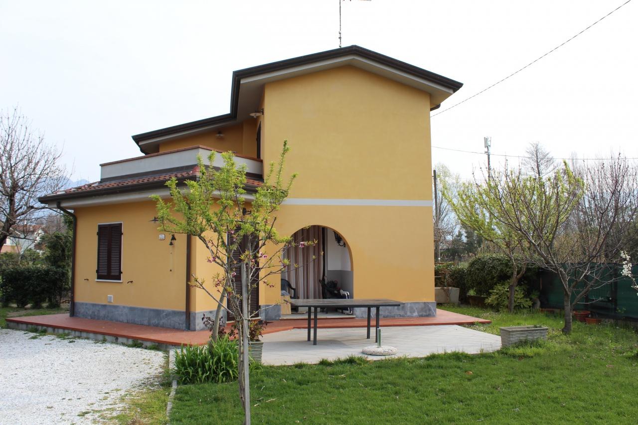 Casa Indipendente in buone condizioni arredato in affitto Rif. 10028229