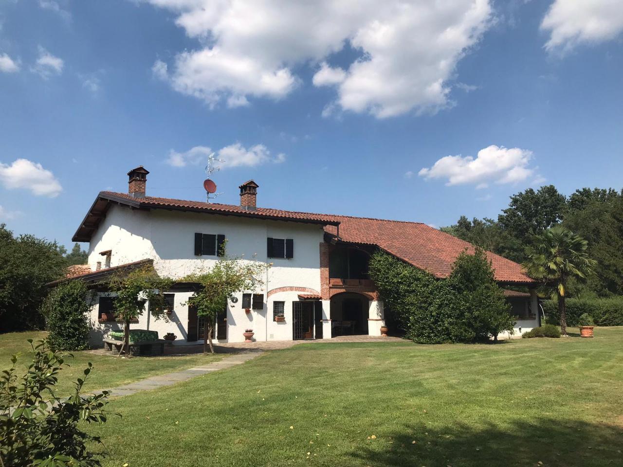 Rustico / Casale in vendita a Varallo Pombia, 8 locali, prezzo € 1.000.000 | PortaleAgenzieImmobiliari.it