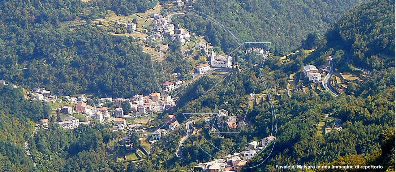 Rustico / Casale in vendita a Favale di Malvaro, 8 locali, prezzo € 290.000 | PortaleAgenzieImmobiliari.it