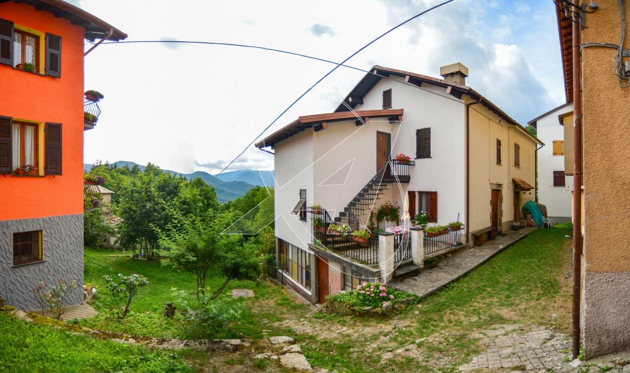 Villa a Schiera in vendita a Rezzoaglio, 7 locali, prezzo € 60.000   PortaleAgenzieImmobiliari.it