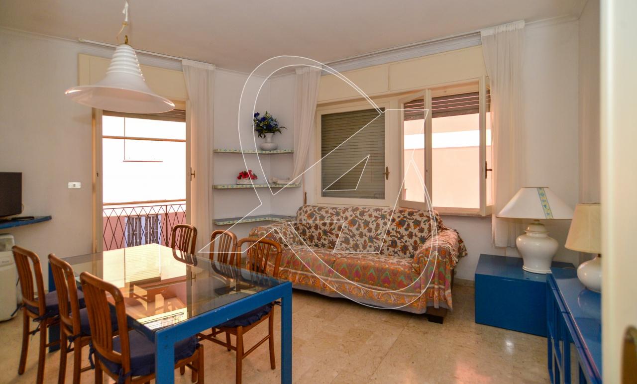 Appartamento in vendita a Santa Margherita Ligure, 8 locali, prezzo € 390.000 | PortaleAgenzieImmobiliari.it