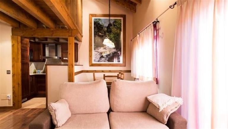 Appartamento in vendita a Courmayeur, 6 locali, prezzo € 290.000 | CambioCasa.it