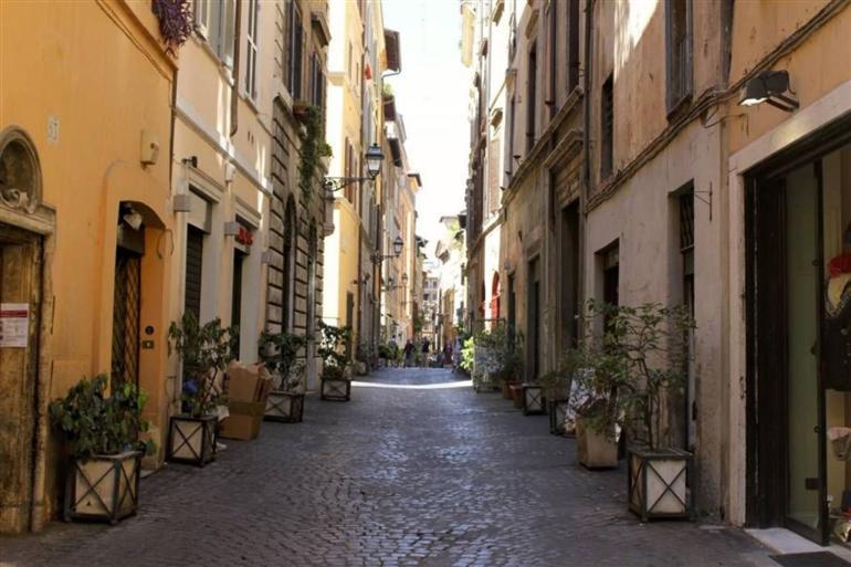 Ristorante / Pizzeria / Trattoria in vendita a Roma, 4 locali, prezzo € 1.900.000   CambioCasa.it