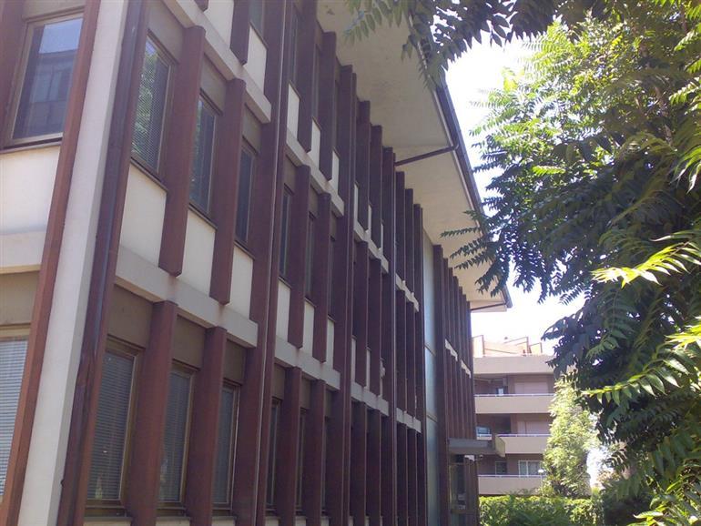 Stabile / Palazzo in discrete condizioni in vendita Rif. 10046606