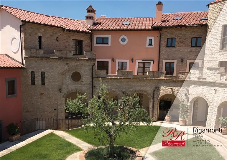 Appartamento in ottime condizioni in vendita Rif. 10588346