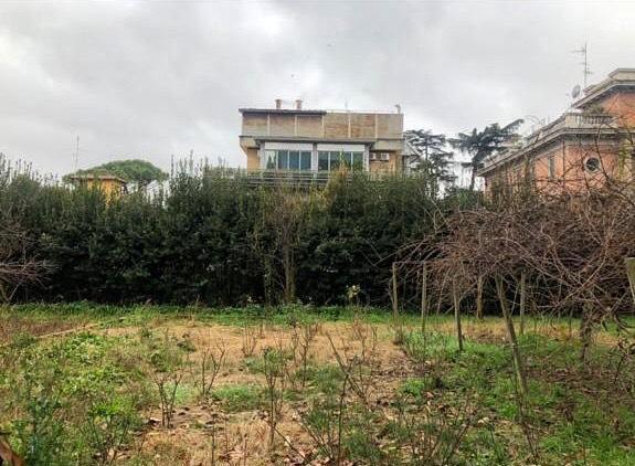 Stabile / Palazzo in discrete condizioni in vendita Rif. 10279400
