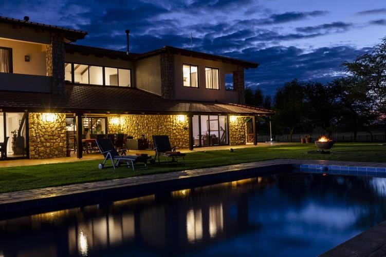 Villa in vendita a Sacrofano, 12 locali, prezzo € 870.000 | CambioCasa.it