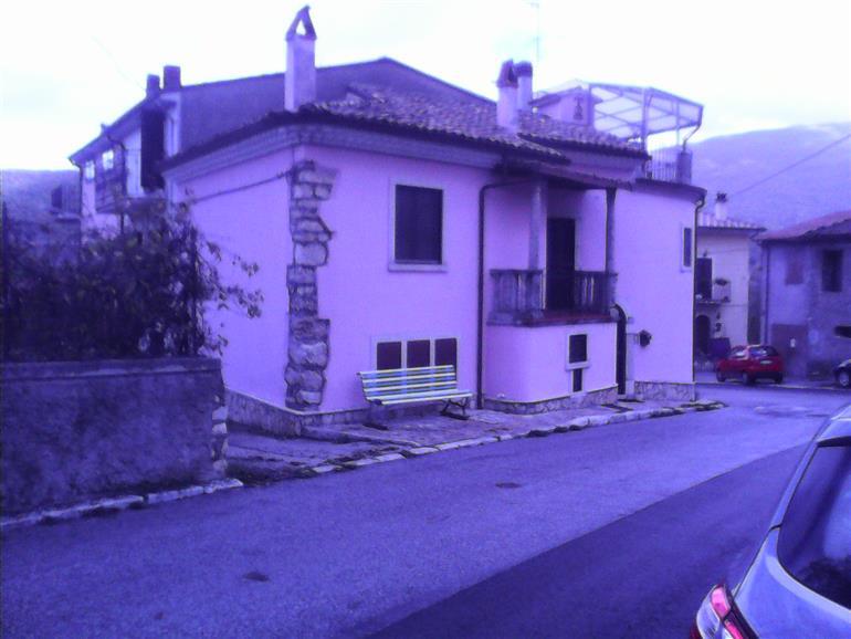Appartamento 6 locali in vendita a Collelongo (AQ)
