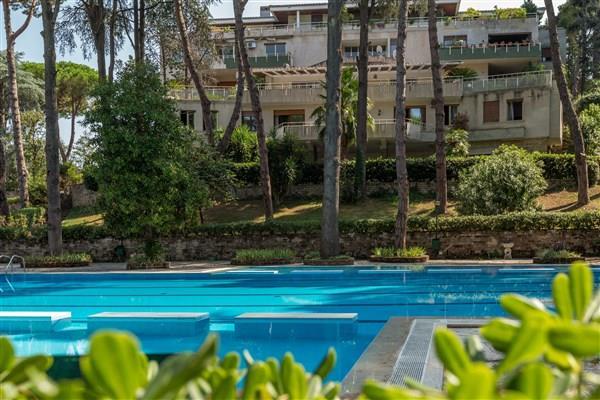 Villa in vendita a Roma, 20 locali, prezzo € 1.290.000 | CambioCasa.it