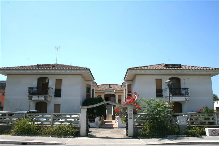 Appartamento in vendita a Ardea, 4 locali, prezzo € 120.000   CambioCasa.it