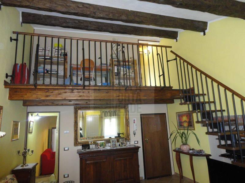 Appartamento in vendita a Piombino, 6 locali, zona Località: GENERICA, prezzo € 240.000 | Cambio Casa.it