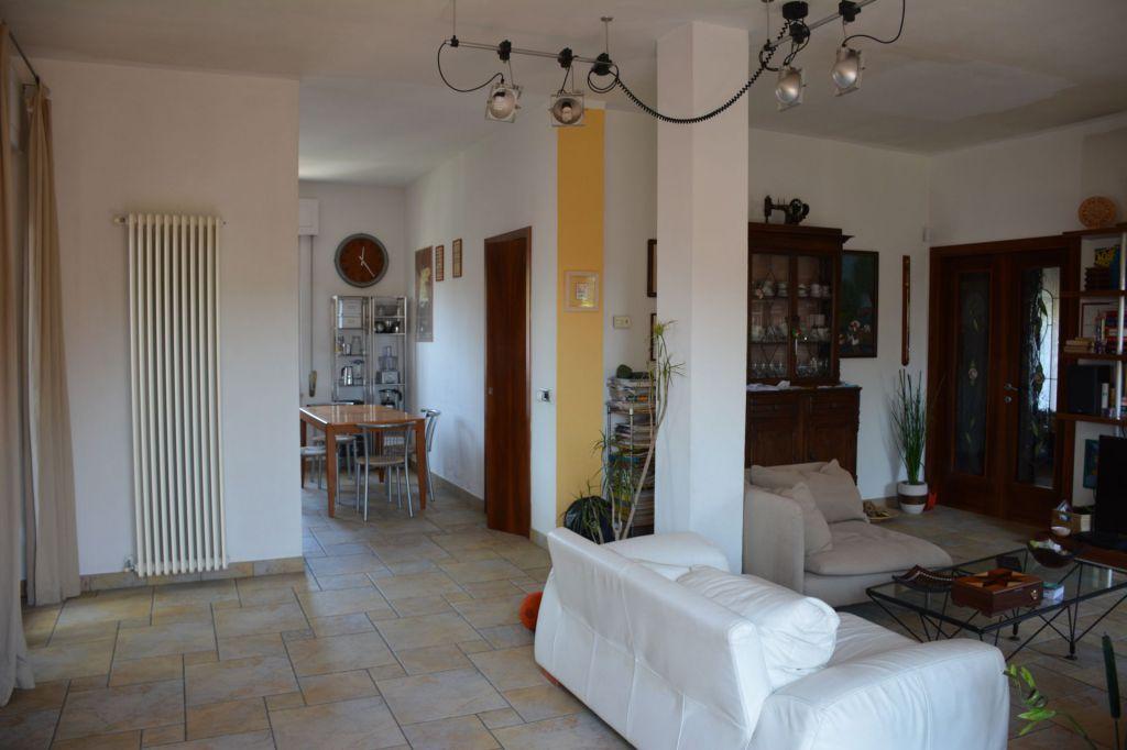 Villa in vendita a Piombino, 10 locali, zona Località: GENERICA, prezzo € 600.000 | Cambio Casa.it