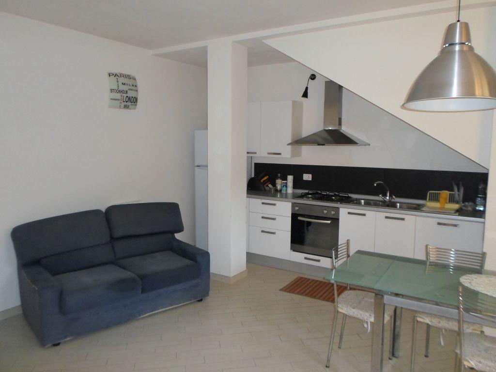 Appartamento arredato in affitto Rif. 9187653