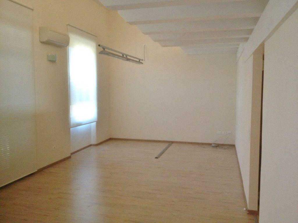 Ufficio / Studio in affitto a Camaiore, 1 locali, prezzo € 850 | CambioCasa.it
