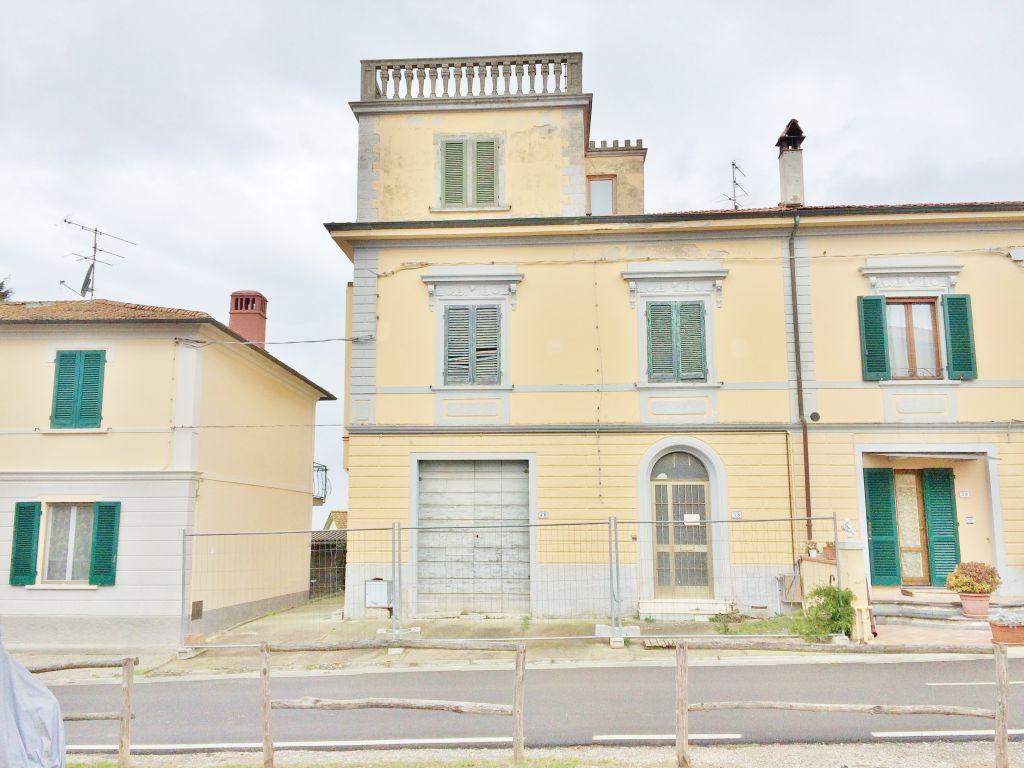 Appartamento in vendita a Palaia, 5 locali, prezzo € 110.000 | PortaleAgenzieImmobiliari.it