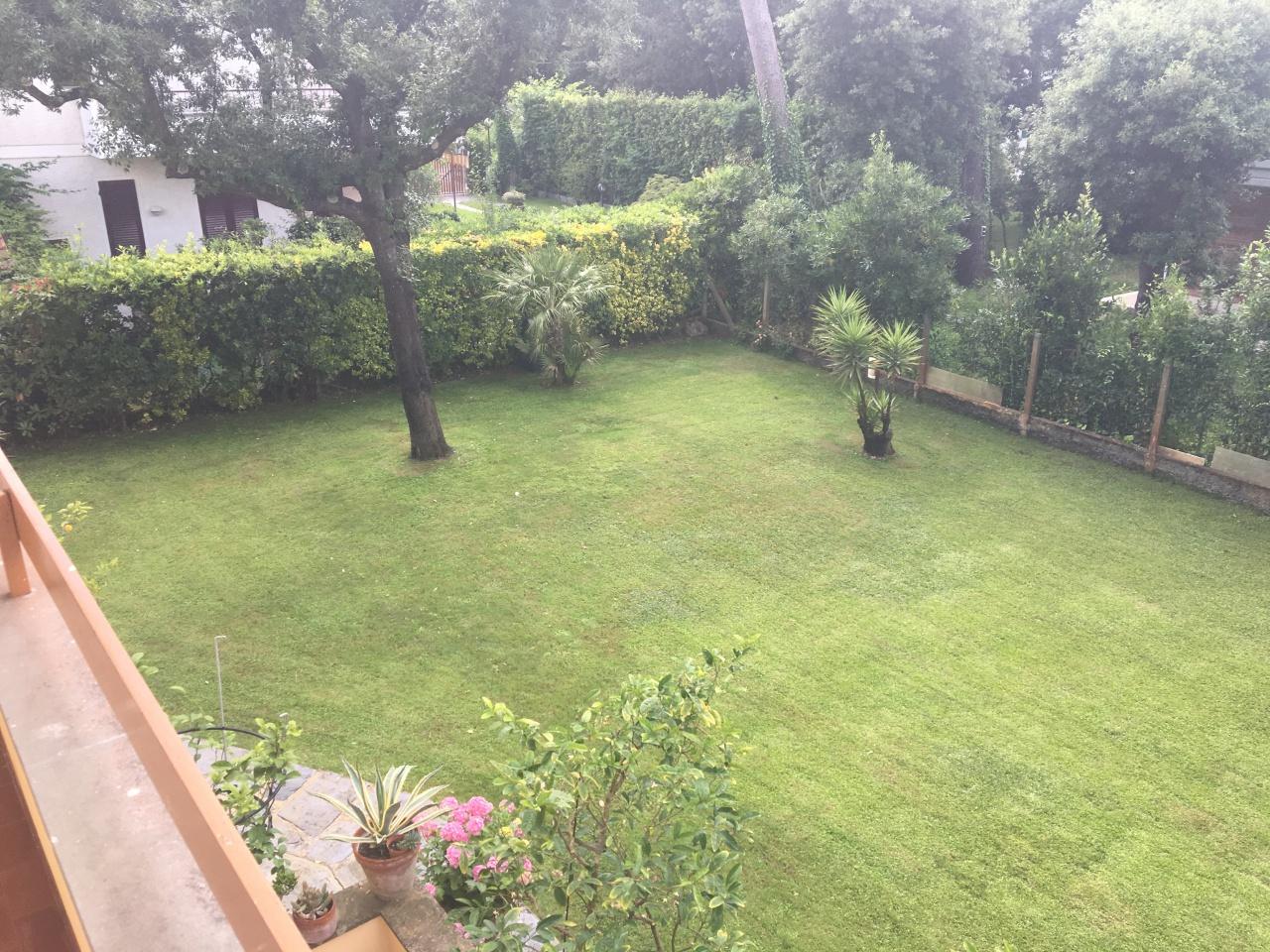 Villa 6 locali in vendita a Pietrasanta (LU)
