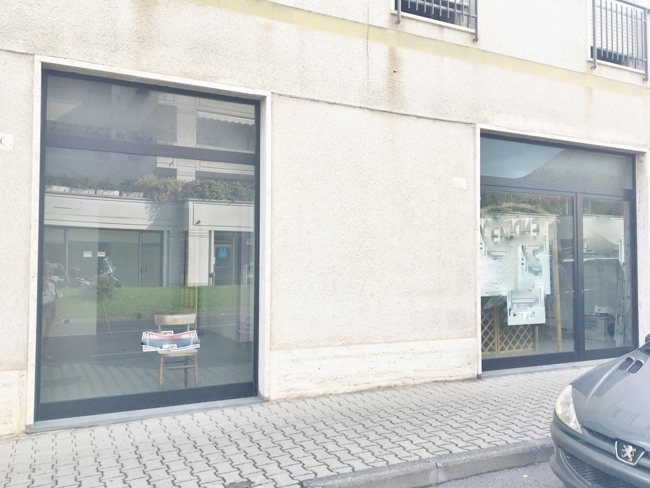 Negozio / Locale in affitto a Viareggio, 4 locali, prezzo € 2.000 | CambioCasa.it