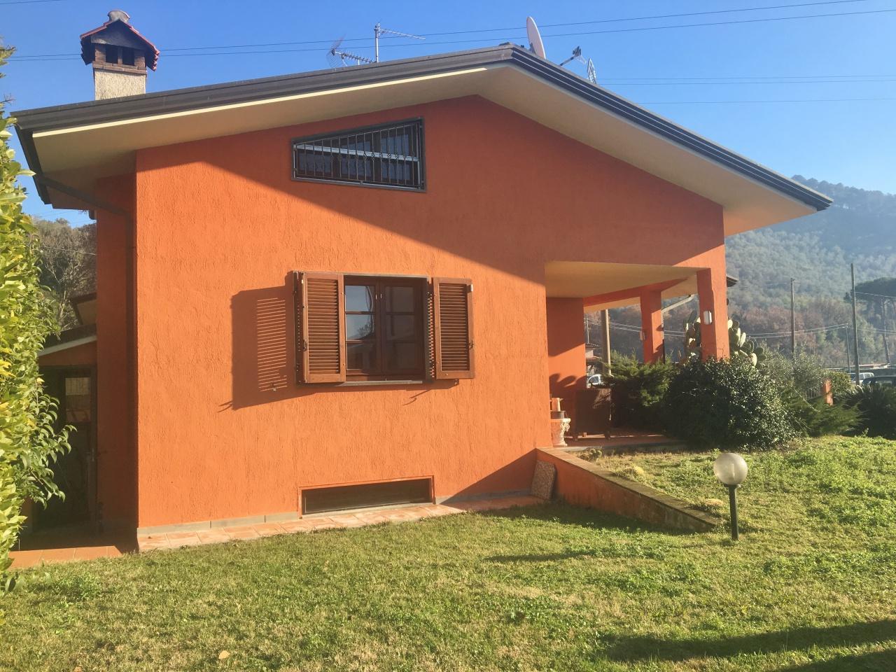Bifamiliare in vendita a Camaiore (LU)
