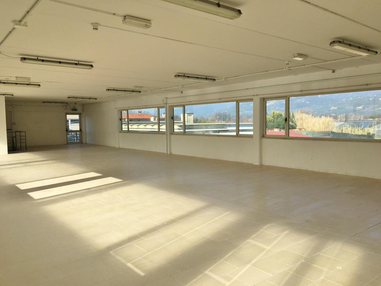 Capannone in affitto a Camaiore, 2 locali, prezzo € 3.000 | CambioCasa.it