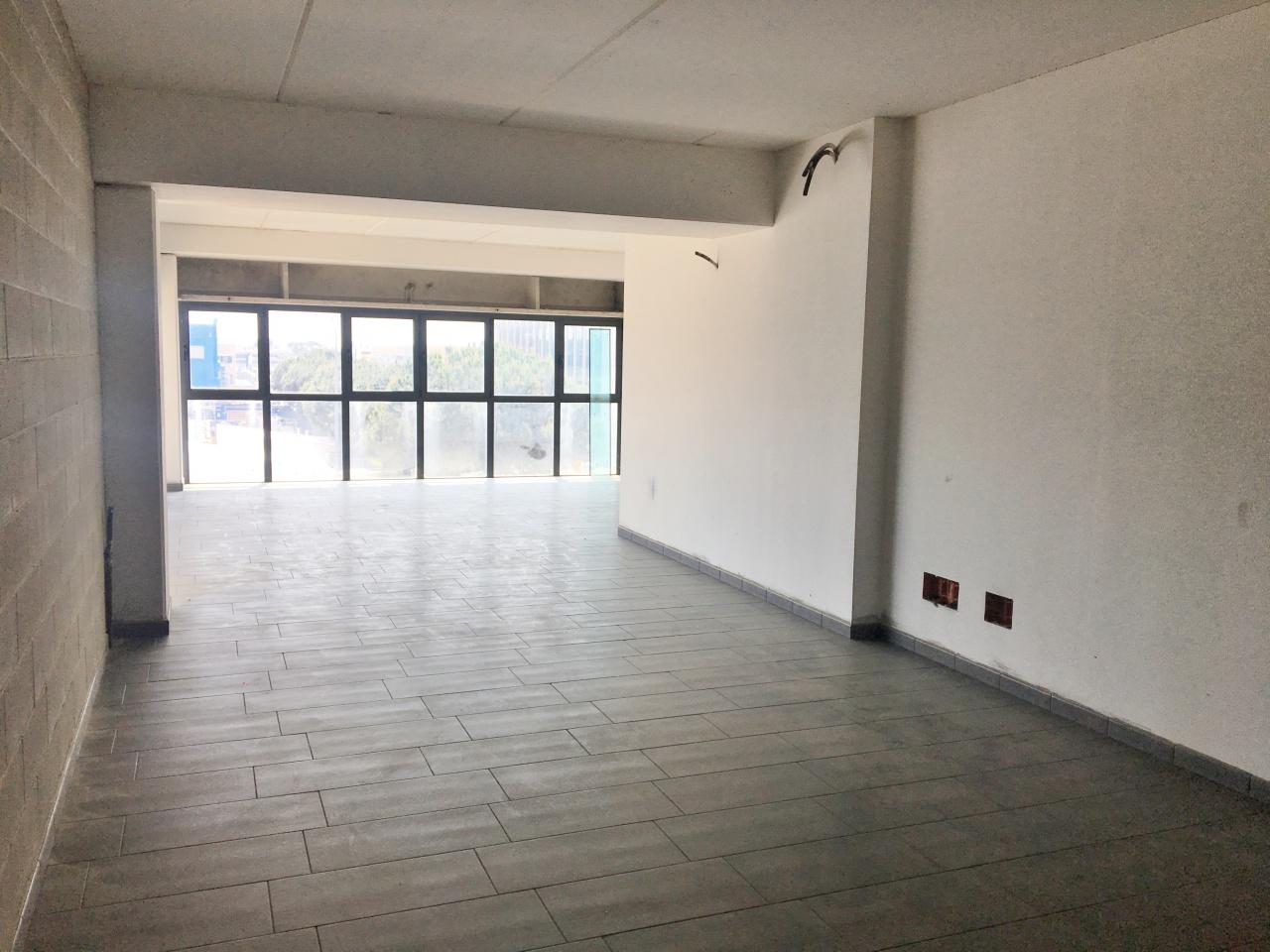 Ufficio trilocale in affitto a Viareggio (LU)-3