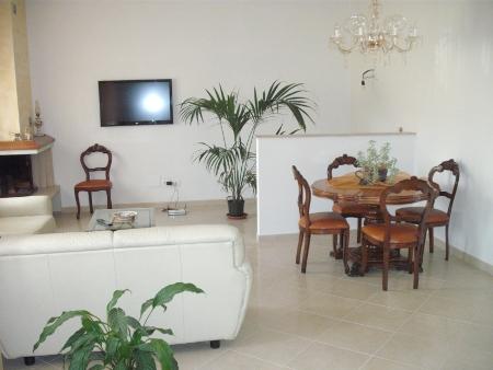 Casa Indipendente ristrutturato in vendita Rif. 9990678
