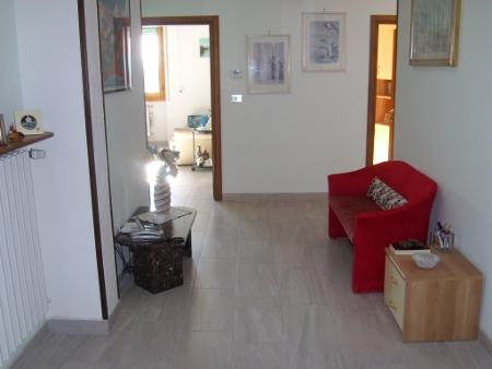 Appartamento in buone condizioni in vendita Rif. 9990790