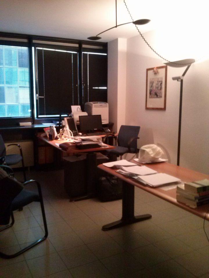 Ufficio in buone condizioni in affitto Rif. 9990826