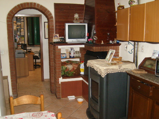 Appartamento da ristrutturare in vendita Rif. 9990823